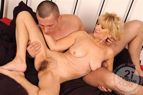 mature women haing sex jpg 1200x798