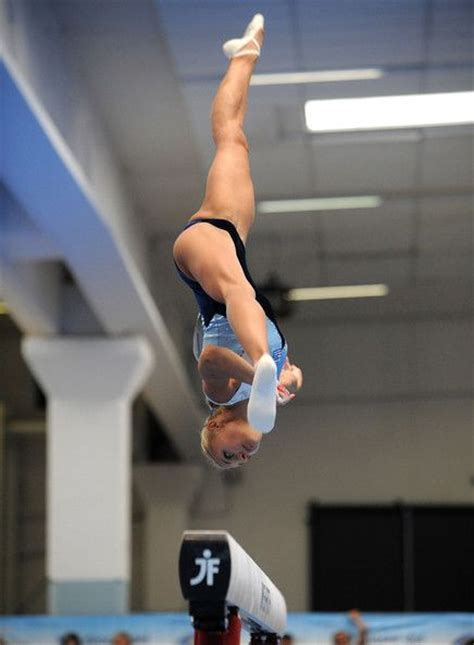 Naked gymnast jpg 436x594